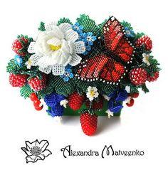 Alexandra Matveenko is russian beadwork artist. She makes unique jewelry and accessoriesusingvarious beading technics. Herbunches