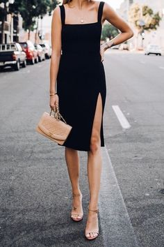 Pin by elleeyangg on stuff to buy in 2019 moda, kıyafet, elbiseler. Trendy Dresses, Tight Dresses, Casual Dresses, Casual Outfits, Classic Dresses, Romantic Dresses, Black Outfits, Elegant Dresses, Sexy Dresses