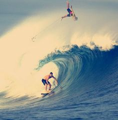 Surfing holidays is a surfing vlog with instructional surf videos, fails and big waves Hawaii Surf, Hawaii Travel, Bali Travel, Soul Surfer, Summer Surf, Surfing Pictures, Surf City, Windsurfing, Football