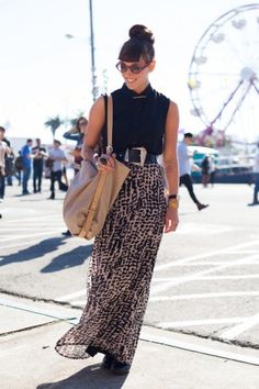 rounds up the best street-style snaps at Treasure Island Music Festival. Concert Fashion, Music Festival Fashion, Concert Style, Treasure Island Music Festival, Cool Street Fashion, Street Style, Look Festival, Chic Summer Style, Modesty Fashion