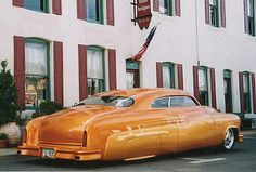 Great styling and glass smooth custom paint.This Merc has it all!