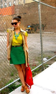 Love the colorblocking, the sleeveless trench, everything about this! Colourful Outfits, Unique Outfits, Cool Outfits, Colorful, Work Fashion, Fashion Outfits, Fashion Trends, Fashion Styles, Wardrobe Makeover