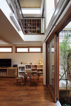 建築家:長浜信幸「交差点に建つ光庭の家」