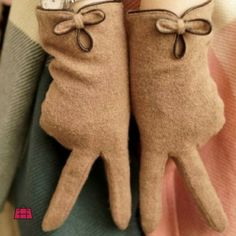 These gloves are a good way to keep your hands warm in style!  Get these elegant camel knit gloves: http://ift.tt/2bIbR4L #YouCanNeverHaveTooMany  #Accessoryhut #gloves #instafashion #hairaccessories #hairchain #sale #bagsforsale #authenticbags #luxurybags #fashionblog #streetfashion