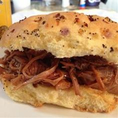 """Slow Cooker Beer Pulled Pork 