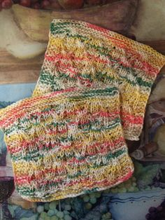 Twist to the Left, Twist to the Right ~ smariek knits