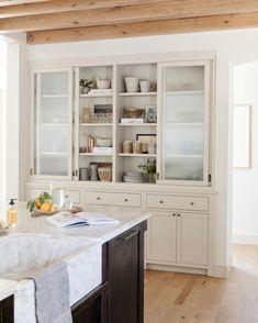 Instagram Home Design, Interior Design, Kitchen Interior, Kitchen Design, Dressing, Amber Interiors, Dining Nook, Kitchen Essentials, Rustic Kitchen