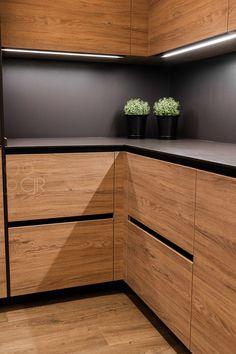 Luxury Kitchen Design, Kitchen And Bath Design, Kitchen Cabinet Design, Interior Design Kitchen, Küchen Design, House Design, Bedroom Closet Design, Dining Room Design, Kitchen Remodel
