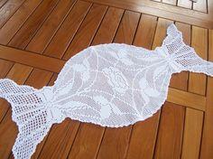 Lavori a uncinetto a filet Crochet Placemats, Crochet Table Runner, Crochet Doilies, Crochet Bikini Pattern, Crochet Patterns, Filet Crochet, Crochet Top, Crochet Decoration, Crochet Instructions