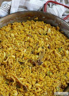 Hoy he preparado un arroz en paella muy sencillo, pero que está tan rico que he querido contároslo, ya que tiene mucho sabor. He llamado a la rec...