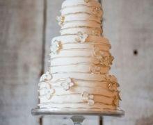 Wedding Cake: Shabby Cake with Sugar Flowers