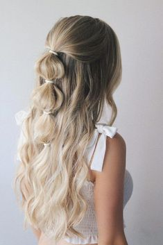 easy hairstyles Festival season is officially upon us and Im so excited to share these easy festival hairstyles with you guys. I wanted to create different hairstyles to fit everyones Box Braids Hairstyles, Festival Hairstyles, Cool Hairstyles, Hairstyles 2018, Hairstyle Ideas, Easy Braided Hairstyles, Cute Everyday Hairstyles, Pinterest Hairstyles, Hair Down Hairstyles