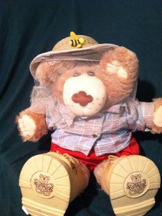 1986 Vintage Boone Furskins Bear By Xavier Roberts Beige Plush Teddy… Xavier Roberts, The Old Days, My Childhood, Old Things, Plush, Teddy Bear, Beige, Memories, Animals