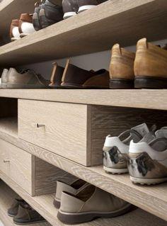white washed oak closet detail : Remy Meijers