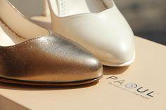 La purezza del bianco o il calore dell'oro... Quale colore sceglieresti per il tuo matrimonio? The purity of white or the warmth of gold... Which color would you choose for your wedding?