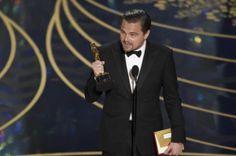 Oscar 2016, la prima volta di Morricone e DiCaprio. Il compositore italiano  si aggiudica il trofeo per la colonna sonora di The Hateful Eight, mentre l'attore statunitense vince il premio come Miglior Attore Protagonista. #lalinearossa