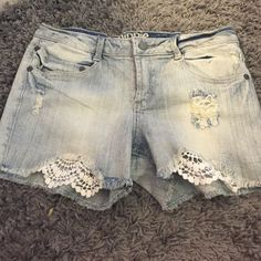 Never worn hippie laundry Jean shorts Never worn hippie laundry jean shorts Hippie laundry Shorts Jean Shorts