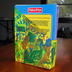 Upcycled Cereal Box Coloring Book Holder omg I need to do this with my kids! Their coloring books lack a home! Diy Crafts For Kids, Projects For Kids, Arts And Crafts, Craft Ideas, Art Projects, Cool Pictures, Cool Photos, Earth Day Crafts, Love The Earth