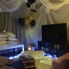 This Girl Builds A Fort In Her Living Room Every December For Christmas She Is My HERO