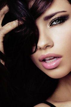 Adriana Lima, amazing makeup!