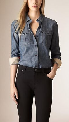 Burberry women's shirts and tops refined through pattern and proportion, in silk and cotton. Business Casual Outfits, Edgy Outfits, Cute Outfits, Fashion Outfits, Daily Fashion, Fashion Line, Simple Shirts, Tomboy Fashion, Clothes For Women