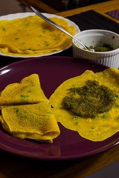 Crêpes salé et satini cotomili (crêpes salé et chutney de coriandre)  http://www.cuizinemaurice.com/2014/03/crepes-sale-satini-cotomili/