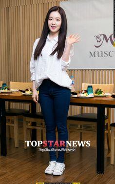 Ulzzang Fashion, Kpop Fashion, Ulzzang Girl, Modest Fashion, Asian Fashion, Girl Fashion, Fashion Outfits, Wendy Red Velvet, Red Velvet Irene