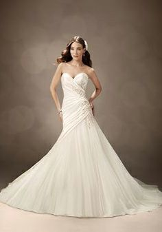 Floor Length Fit N Flare Sweetheart Taffeta & Tulle Wedding Gown With Appliques - Angeldress.co.uk