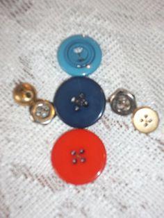 Snowman Brooch - Antique buttons | HiddenHummingbirdDesigns - Jewelry on ArtFire