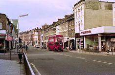 Photos of Mid-Seventies London by David Rostance - Flashbak Uk History, London History, Family History, British History, London Pictures, London Photos, London Bus, London Street, Vintage London