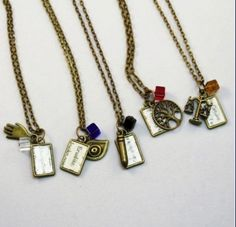 Faction necklaces ~Divergent~ ~Insurgent~ ~Allegiant~