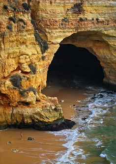 Vale do Covo Beach, Carvoeiro. Portuguese Algarve.