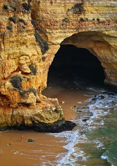 Vale do Covo Beach, Carvoeiro. Portuguese Algarve.