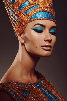 Painel de comentários Egyptian Fashion, Egyptian Beauty, Egyptian Goddess, Egypt Makeup, Cleopatra Makeup, Goddess Makeup, African Goddess, Egyptian Costume, Cool Halloween Makeup