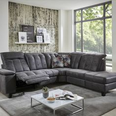 """Velmi atraktivní sedací souprava s rozsáhlými možnostmi konfigurace a širokou nabídkou komfortních funkcí. Dostupná v látkovém i celokoženém provedení modulový systém sestavování do mnoha různých rohových sestav, sestav tvaru """"U"""" a nebo jako samostatná sofa."""