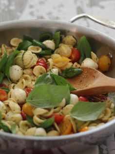 orecchiette with cherry tomatoes, mozzarella & basil pesto {incredibly delicious & simple to make}