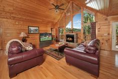 Livin' the Dream - 4 Bedroom - The moment you arrive at this luxury cabin, you will find a multitude of amenities!