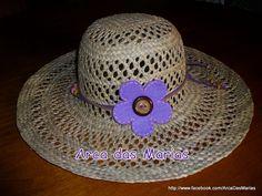 Chapéu com flor em feltro