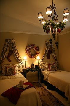 Yuletide season with christmas decor ideas - 1000 Images About Christmas Bedroom On Pinterest