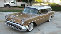 Survivor 1957 Oldsmobile Super 88 Fiesta Wagon is rare and beautiful – Classic Cars Us Cars, Race Cars, Vintage Cars, Antique Cars, Station Wagon Cars, Counting Cars, Old Wagons, Concept Cars, Luxury Cars