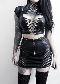 you are what you wear in 2019 roupas gótic Gothic Outfits, Edgy Outfits, Grunge Outfits, Cool Outfits, Fashion Outfits, Womens Fashion, Fashion Fashion, Urban Fashion, Fashion Clothes
