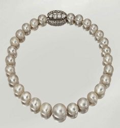 The Queen Mary/Duchess of Windsor pearls