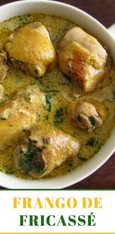 Are you going to invite the family for lunch? We suggest this delicious chicken fricassee fricassee, it's a simple recipe, very tasty and with excellent. Real Food Recipes, Chicken Recipes, Healthy Recipes, Recipe Chicken, Crockpot Recipes, Chicken Fricassee, Confort Food, Portuguese Recipes, Portuguese Food