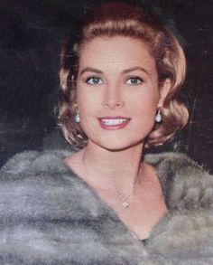 Princess Grace of Monaco - so beautiful