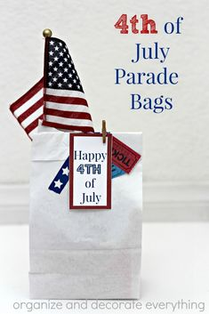4th of July Parade Bags full of items to keep the little ones busy before and during the parade. Free printable tags.