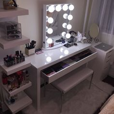 Obsessed with my New Vanity, especially loving my @impressionsvanity mirror…