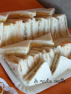 Tramezzini e sandwich Vol Au Vent, Baked Crab Cakes, Decadent Cakes, Finger Food Appetizers, Food Platters, Special Recipes, International Recipes, Tasty Dishes, I Love Food