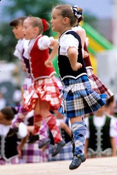 little tartan dancing girls