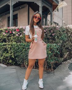 cute spring outfits with sneakers 19 ~ Modern House Design Cute Spring Outfits, Summer Dress Outfits, Cute Casual Outfits, Pretty Outfits, Stylish Outfits, Modern Outfits, Girly Girl Outfits, Teen Fashion Outfits, Look Fashion