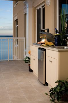 One Water Place at Kelly Plantation #outdoorkitchens #outdoorliving